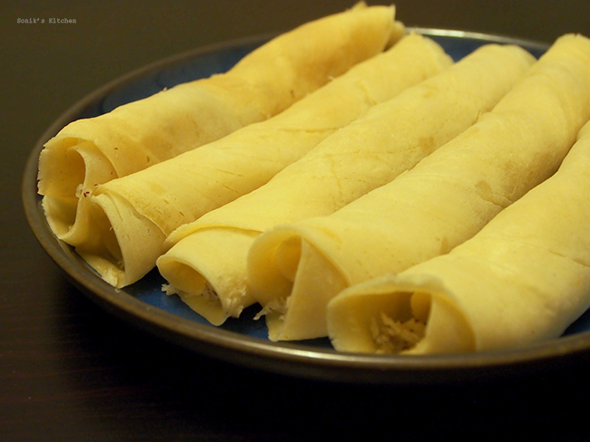 Mutta Kuzhalappam/ Coconut Filled Crepes